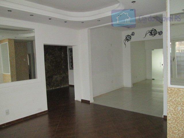 excelente casa com 400m²,07 salas amplas,03 dormitórios,02 banheiros,10 vagas de garagem.ligue (51) 3341.8626 e agende sua...