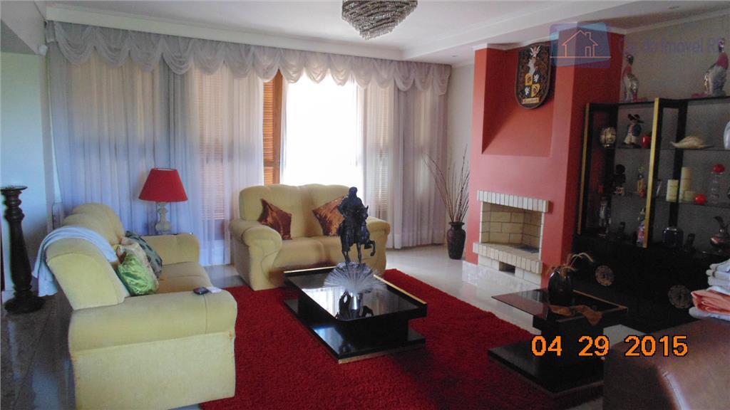 magnifica casa com 03 andares,500m²,salas amplas,04 dormitórios amplos sendo 02 suítes, dependência de empregada,banheiro de empregada,04...