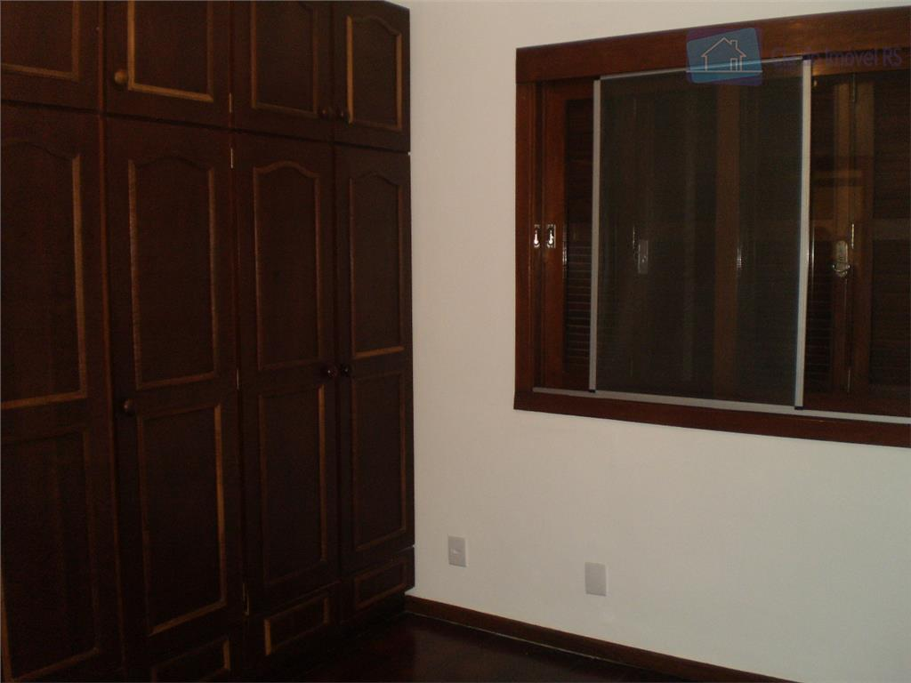 apartamento primeiro andar pequeno lance de escada com dois dormitórios suite banheiro social mais banheiro auxiliar...