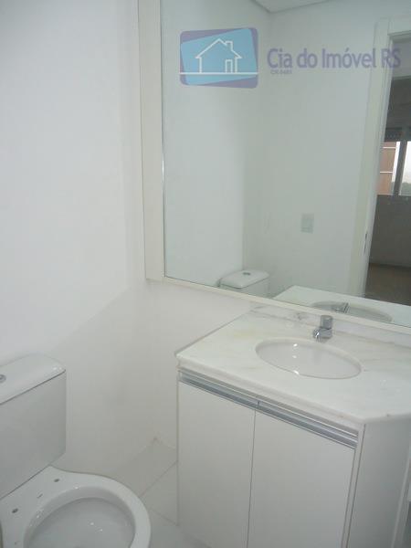 03 dormitórios sendo 01 suíte, living com sacada e armários, cozinha americana com pia, armários e...