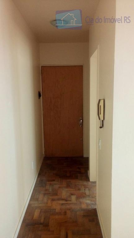 excelente apartamento com 01 dormitório,sala,cozinha,banheiro,área de serviço,01 vaga de garagem fixa,porteiro eletronico. ligue (51) 3341.8626 e...