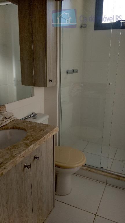 excelente apartamento com 03 dormitórios,sendo 01 suíte,sala,cozinha com armários,banheiros,área de serviço,02 vagas de garagem individuais coberta,portaria...