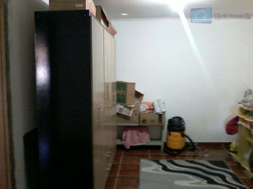 casa com dois dormitórios sala grande cozinha grande casa construída no fundo do terreno garagem na...