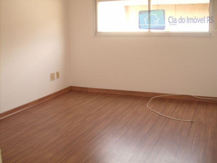 excelente apartamento com 01 dormitório,sala,cozinha,área de serviço,01 vaga de garagem,portaria 24 horas,ótima localização próximo a assis...