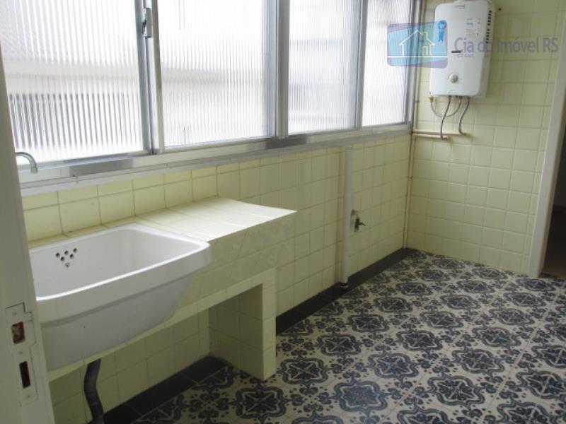 excelente apartamento com 143m²,03 dormitórios,sala ampla,banheiro auxiliar, banheiro social, cozinha, dep.de empregada, despensa, garagem, lavabo e...