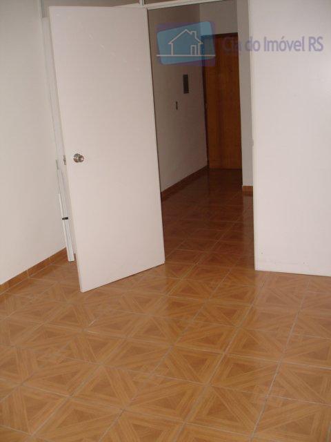 excelente sala comercial, 26m² com divisória. excelente localização, à uma quadra da av. assis brasil. aluguel.ligue...