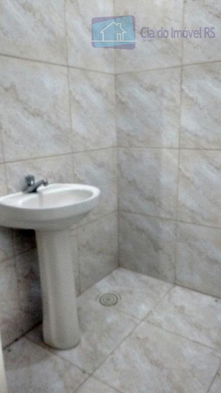excelente casa comercial com 100m²,05 salas amplas,02 banheiros,ótima localização a uma quadra da avenida assis brasil.ligue...