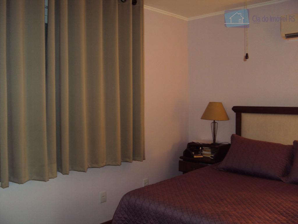 excelente apartamento com 97m²,02 dormitórios,sendo 01 suíte,sala ampla,cozinha,banheiro,área de serviços,02 vagas de garagem,pátio,ótima localização.ligue (51) 3341.8626...