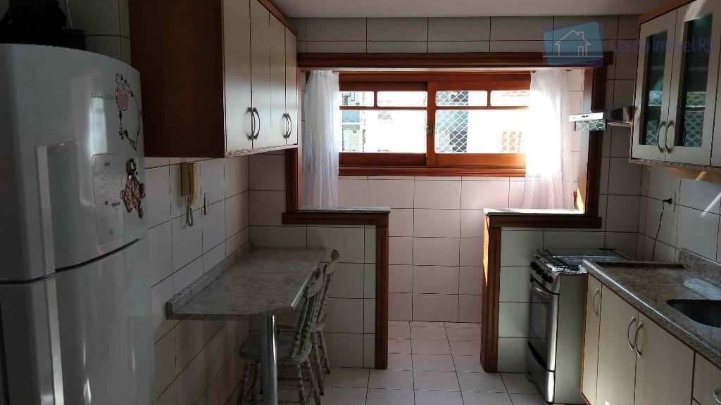 excelente apartamento, 02 dormitórios, suite, living 02 ambientes, teto com gesso, churrasqueira, piso frio em todo...