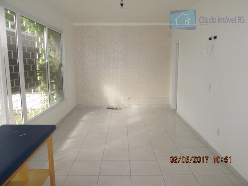 excelente casa com 200 m², 05 salas podendo ser ampliadas, paredes estão divididas com gesso ,copa...