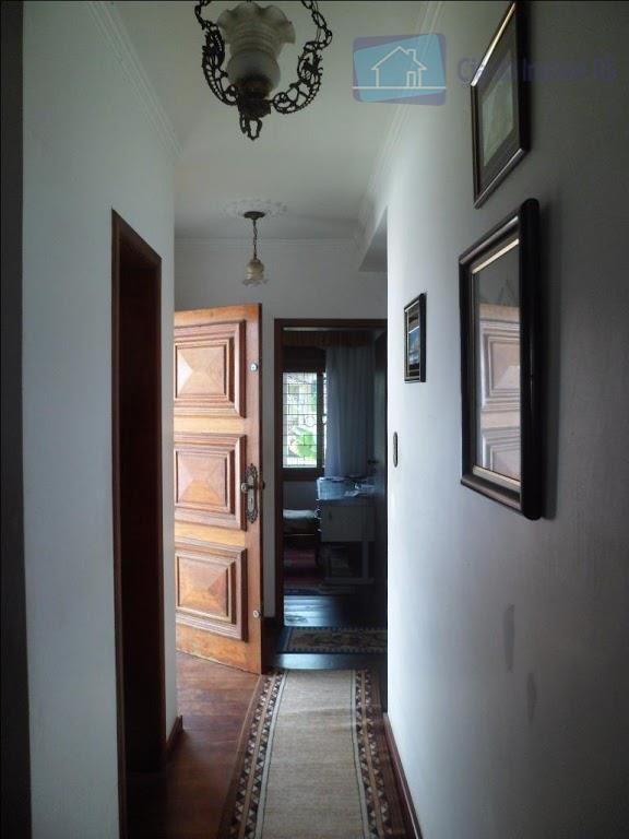 ciadoimovelrs.com.br, vende casa alvenaria 2 pavimentos com 223,37m² de área construída em terreno plano de 300...