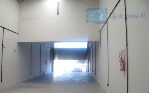 excelente loja nova, a menos de 100m da av. assis brasil com aproximadamente 110m²,com 02 banheiros...