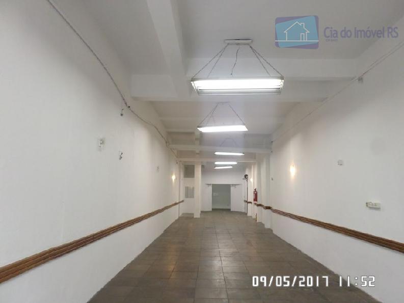excelente loja com 220m²,a 50 metros da assis brasil,02 banheiros,patio,ótima localização.ligue (51) 3341.8626 e agende sua...