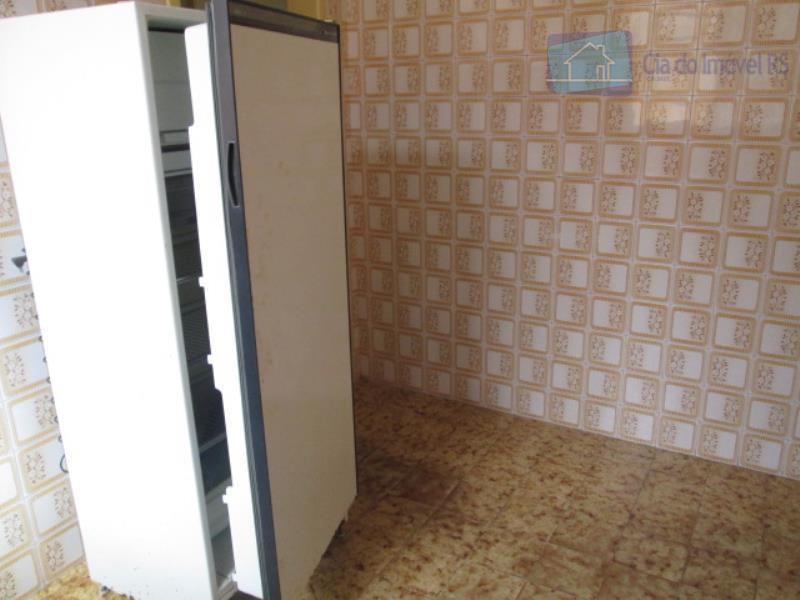 excelente casa comercial com 80 m², 04 salas, banheiro auxiliar, banheiro social, cozinha.(somente a parte de...