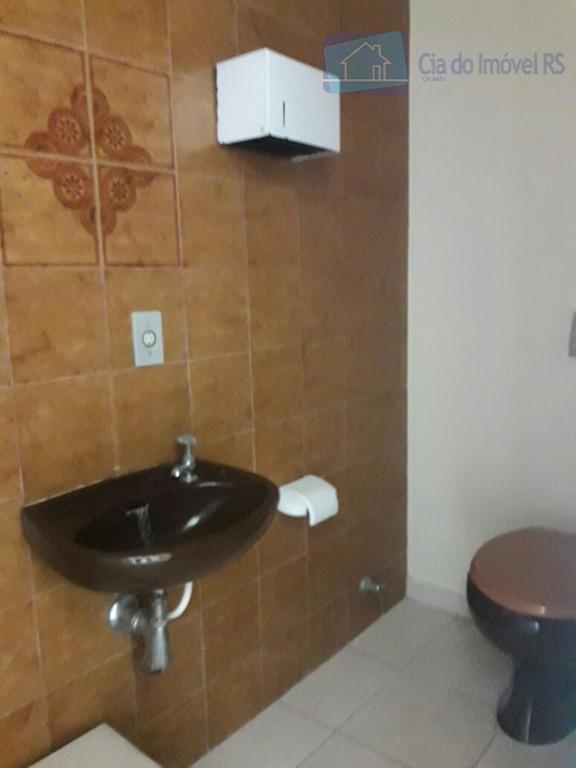 excelente sala com35m²,banheiro,portaria,ótima localização,esquina carlos gomes.ligue (51) 3341.8626 e agende sua visita, mais opções em www.ciadoimovelrs.com.br.atendimento...