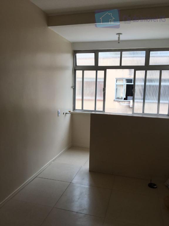 excelente apartamento com 02 dormitórios,sala,cozinha,banheiro,área de serviços,ótima localização.ligue (51) 3341.8626 e agende sua visita, mais opções...