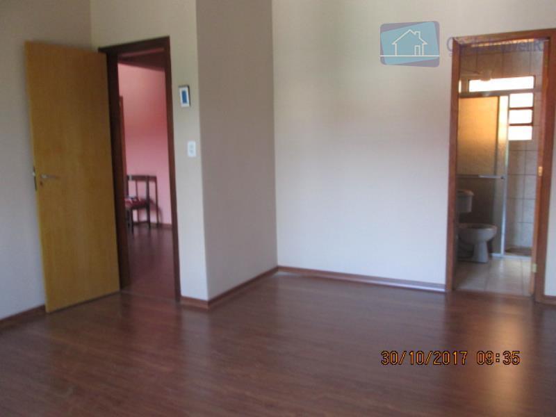 excelente casa com 250 m²,06 dormitórios, 2 suites, sacada, banheiro social, área de serviço, armário banheiro,...