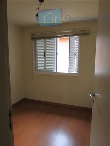 excelente casa em condomínio com três dormitórios, sendo um suíte, sala grande, cozinha em estilo americano,...