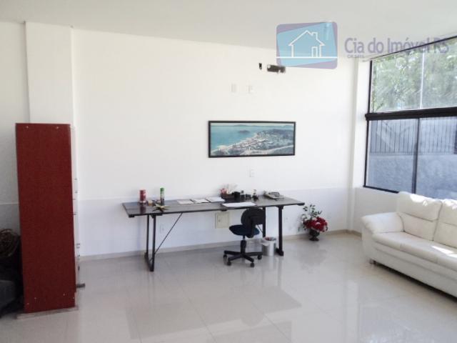 deposito comercial com 500m², escritorio terreo e mezanino, 5 banheiros, pé direito de 7 metros, area...