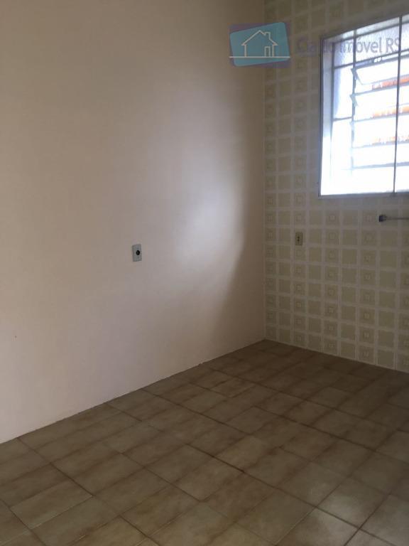 excelente casa comercial localizada no bairro são pedro. imóvel de frente, possui 160m² de área total...