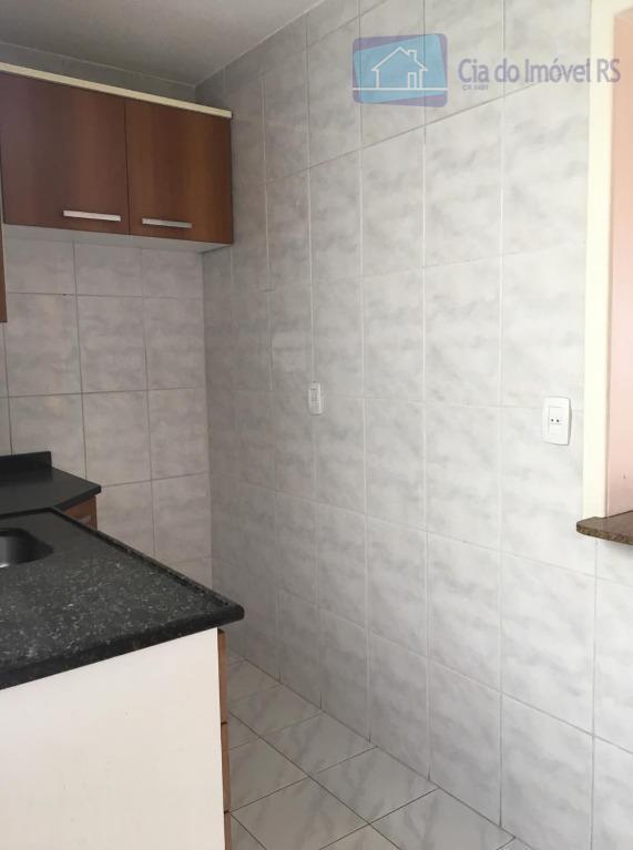 excelente apartamento com 01 dormitório,sala,cozinha americana com armários,banheiro,área de serviços,salão de festas,portaria 24 horas.ligue (51) 3341.8626...