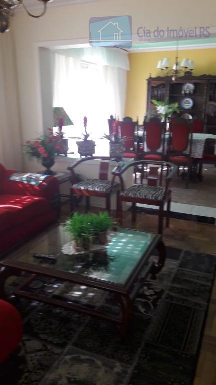 excelente casa com 03 dormitórios, 300m2, sala de estar, sala de jantar, cozinha, churrasqueira, área de...