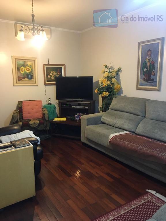 excelente casa com 03 dormitórios,sendo 01 suíte,02 salas,cozinha,área de serviços,banheiros,quintal,parte de baixo com uma garagem para...