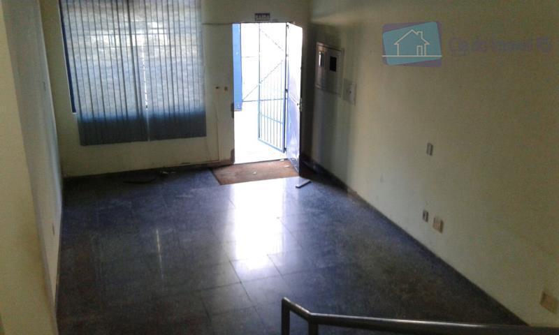 excelente depósito no bairro navegantes com 400 m2, banheiro, churrasqueira, com entrada para caminhão.ligue (51) 3341.8626...