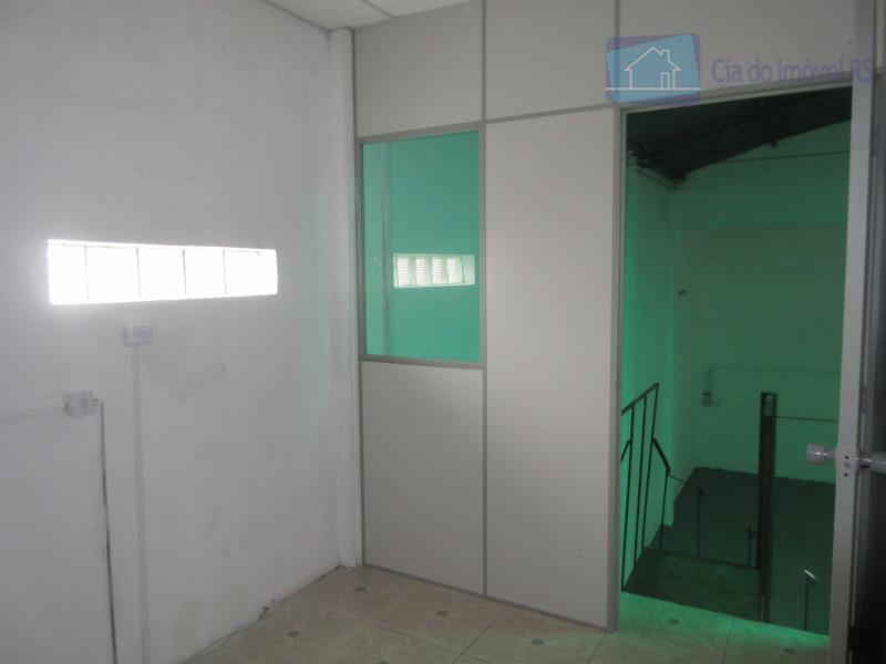 excelente deposito com 250m²,banheiro,estacionamento na frente.ligue (51) 3341.8626 e agende sua visita, mais opções em www.ciadoimovelrs.com.br.atendimento...