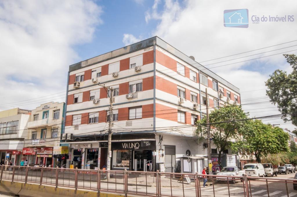 Apartamento com 3 dormitórios à venda, 80 m² por R$ 380.000