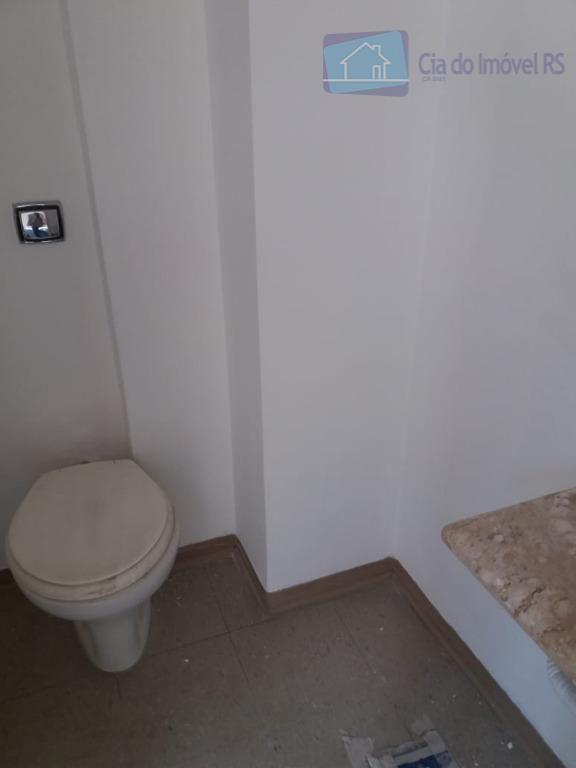 excelente sala com 40m²,banheiro,ótima localização.ligue (51) 3341.8626 e agende sua visita, mais opções em www.ciadoimovelrs.com.br.atendimento pelo...