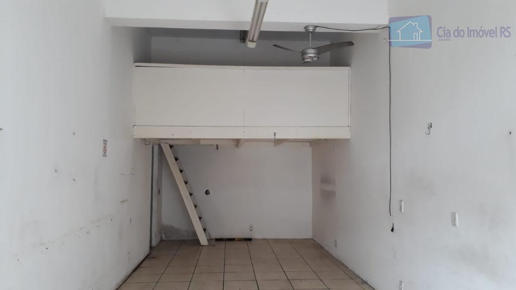 excelente loja com 40m² e 10m² de mezanino,banheiro,03 vagas de estacionamento na frente.ligue (51) 3341.8626 e...