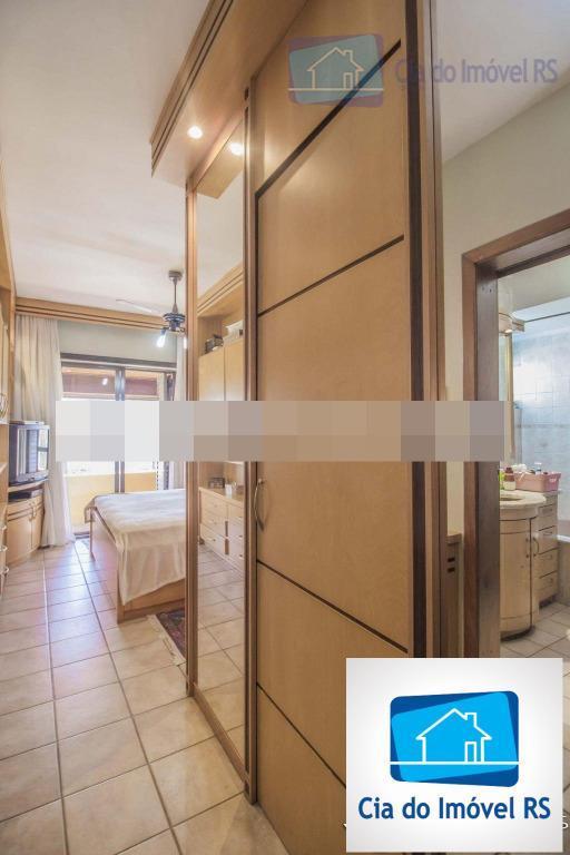 excelente casa em condomínio com entrada individual, três pavimentos, garagem para dois carros, 4 dormitórios (1...