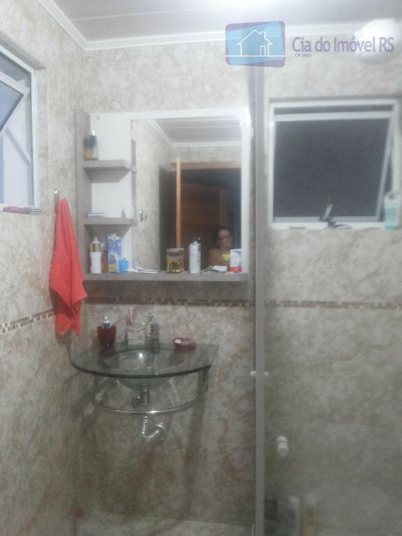 excelente sobrado com 02 dormitórios,sala ,cozinha,banheiro,área de serviços,pátio,churrasqueira,01 vaga de garagem coberta.ligue (51) 3341.8626 e agende...