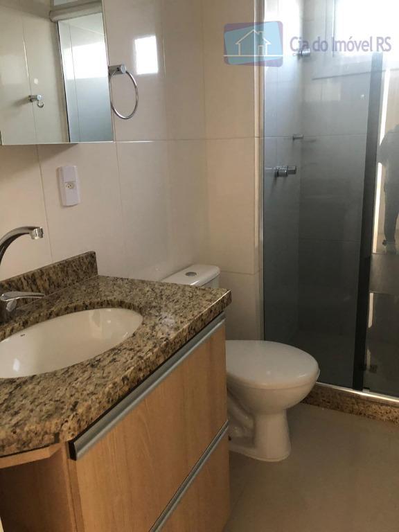 excelente apartamento com 03 dormitórios,sala ampla com lareira,terraço,cozinha,com churrasqueira,banheiro,área de serviços,02 vagas de garagem cobertas,salão de...