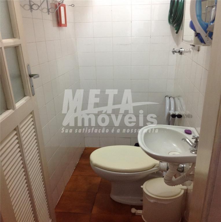 apto nascente, posição lateral, c/ 2 qtos, sala 2 ambientes, sacada, cozinha, 2 wc (social e...