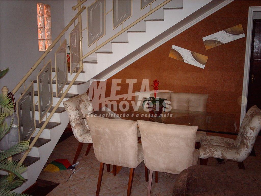 casa duplex nascente, c/ 3 qtos, sala, sacada, varanda, escritório, cozinha, wc, copa, dormitório de empregada,...