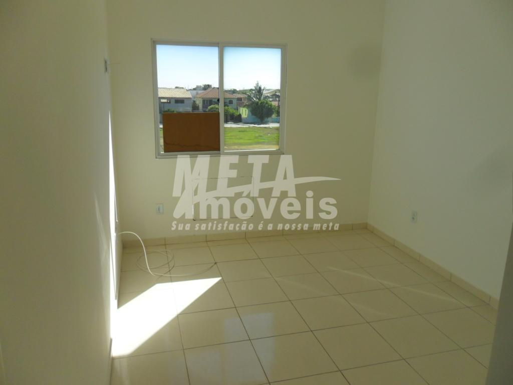 apto de frente, c/ 2 qtos, sala, varanda, cozinha, área de serviço, 1 vaga coberta, 63m²,...