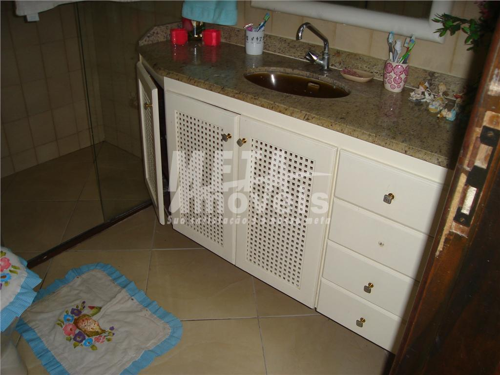 casa duplex, nascente, c/ 4 qtos (1 suíte), sala 2 ambientes, cozinha, área de serviço, 2...