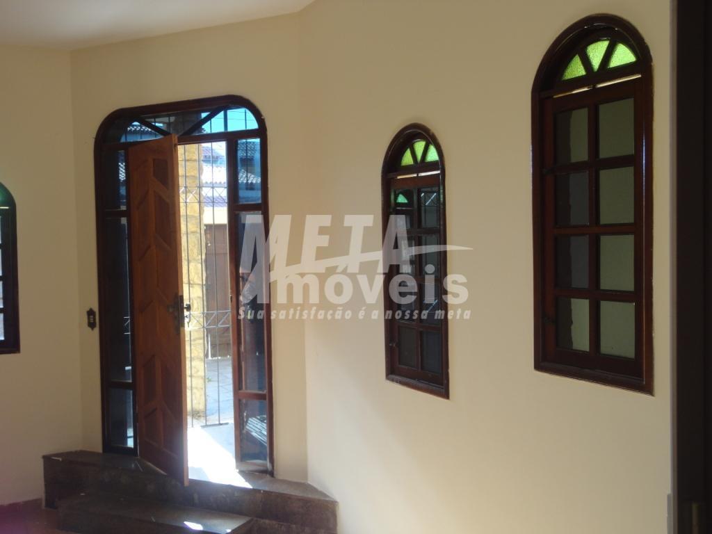 Casa com 3 dormitórios à venda por R$ 350.000,00 - Parque Califórnia - Campos dos Goytacazes/RJ