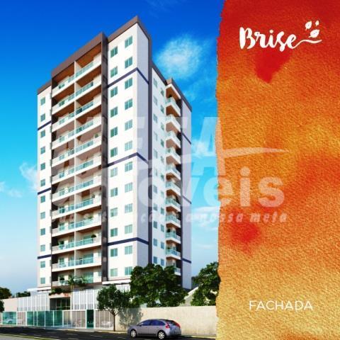 apartamentos de 02 e 03 quartos sendo o de 02 quartos medindo 64m² e com 01...
