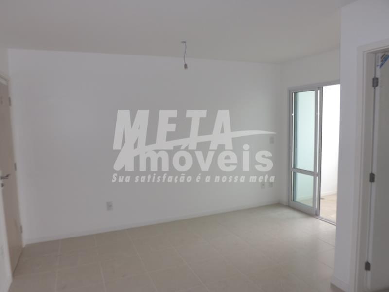 apartamento c/ qto, sala, sacada, wc social, área de serviço, acabamento em cerâmico e teto rebaixado...