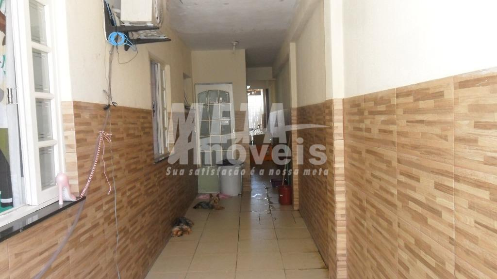 excelente casa sol da manhã com 3 qtos sendo 1 suite, wc social, sala, cozinha, lavanderia,...