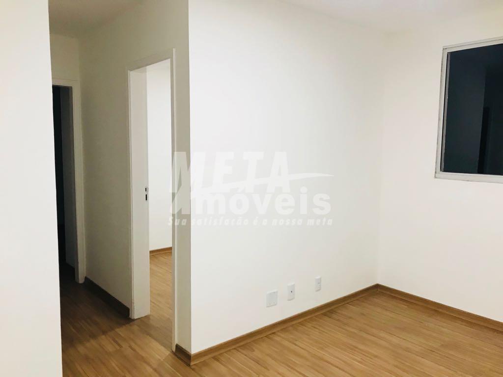 apartamento com 2 quartos sendo 1 suite, dois banheiros, sala, cozinha americana e área de serviço....