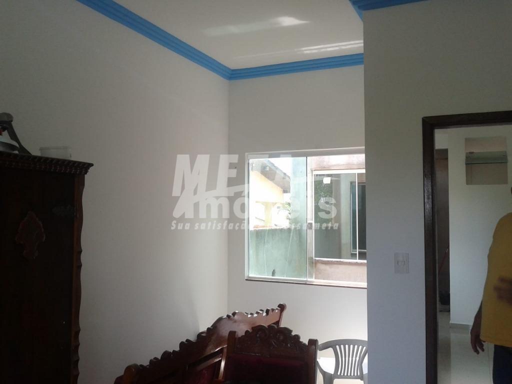 casa com localização privilegiada próximo a comercio, banco, escola; com ambientes amplos, bem ventilados e iluminação...