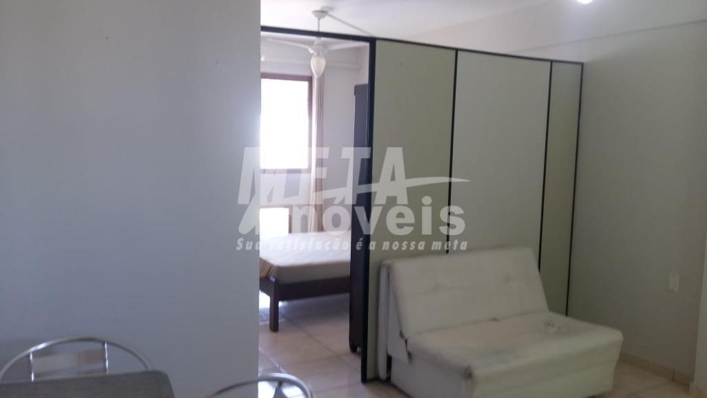 Kitnet com 1 dormitório à venda, 34 m² por R$ 95.000 - Centro - Campos dos Goytacazes/RJ
