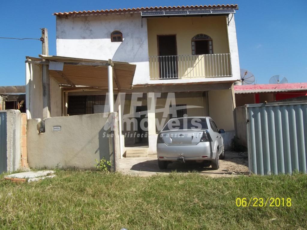 Casa com 3 dormitórios à venda, 140 m² por R$ 85.000 - Centro - São Francisco de Itabapoana/RJ