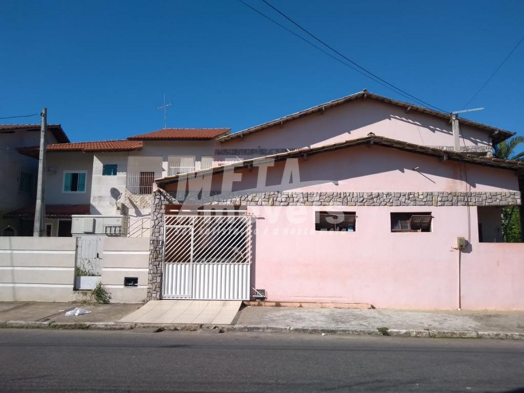 Casa com 1 dormitório à venda, 67 m² por R$ 180.000 - Centro - Campos dos Goytacazes/RJ