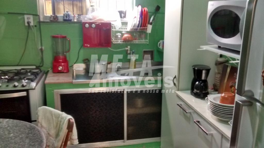 excelente casa, nascente, próximo a av. felipe uebe, supermercado extra, super fresca e segura, com 3...