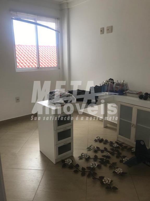 excelente apartamento com 2 quartos sendo 1 suite, fundos poente, mais com muito bem ventilado e...